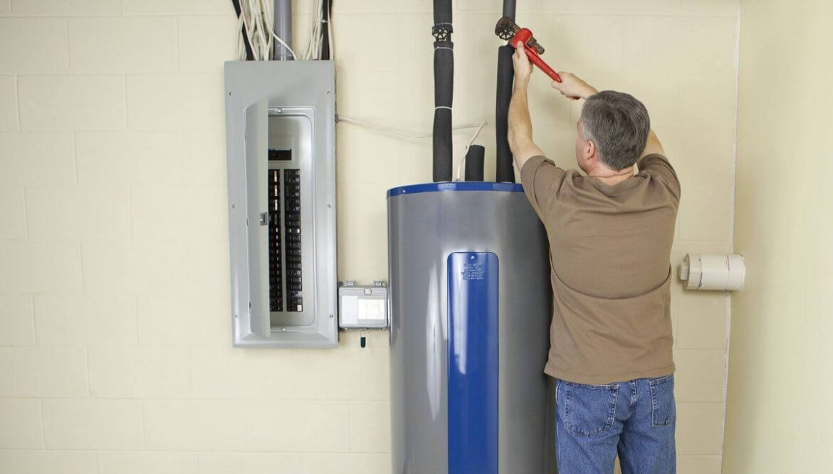 Reasons To Get Your Water Heater Repair Done By A Plumber